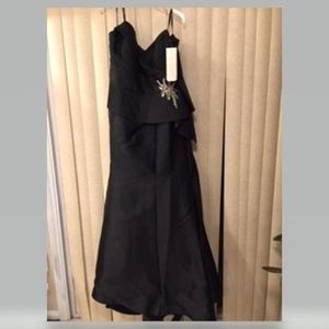 STUNNING BLACK STRAPLESS FORMAL EVENING GOWN 20